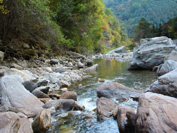 9개 천혜자연 비경... 연인산 도립공원